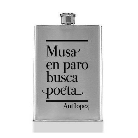 """Petaca """"Musa en paro"""""""