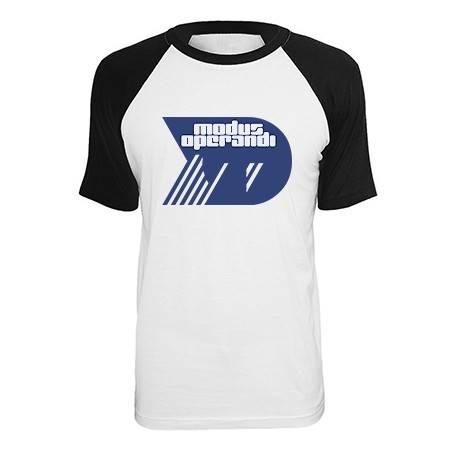 """Camiseta ranglan """"M.O."""""""